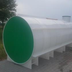 Ležatá podzemná plastová nádrž PL 25  Ležatá zváraná podzemná plastová nádrž rady...