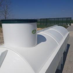 Ležatá podzemná plastová nádrž PL 7  Ležatá zváraná podzemná plastová nádrž rady PL...