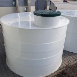 Plastové nádrže rady NV - nutné uložiť na betónovú dosku a vy tvoriť betónový vrch