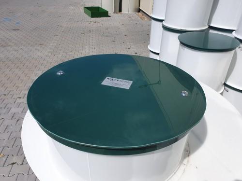 Plastový poklop na nádrž